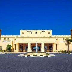 Отель Hilton Al Hamra Beach & Golf Resort парковка