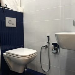 Отель Du Vin Rouge Грузия, Тбилиси - отзывы, цены и фото номеров - забронировать отель Du Vin Rouge онлайн ванная