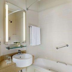 Отель Doubletree by Hilton Angel Kings Cross Лондон ванная
