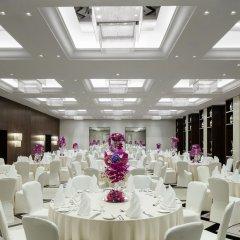 Отель Pullman Dubai Creek City Centre Residences