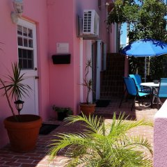 Bermuda Connections Guest House in Southampton, Bermuda from 187$, photos, reviews - zenhotels.com hotel front