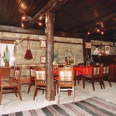 Отель Parlapanova Guest House - Pool Access Боженци гостиничный бар