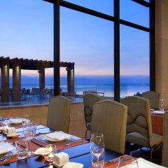 Отель Kempinski Hotel Ishtar Dead Sea Иордания, Сваймех - 2 отзыва об отеле, цены и фото номеров - забронировать отель Kempinski Hotel Ishtar Dead Sea онлайн питание фото 3