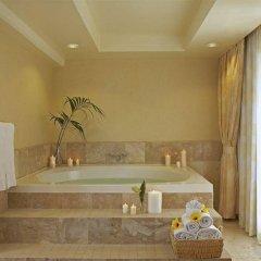 Ilikai Hotel & Luxury Suites ванная