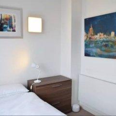 Отель 1 Bedroom Flat in Hackney Next to Canal удобства в номере