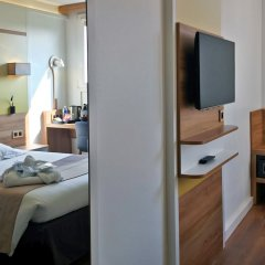 Median Paris Porte De Versailles Hotel сейф в номере