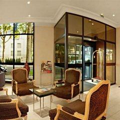 Отель Warwick Reine Astrid - Lyon Франция, Лион - 2 отзыва об отеле, цены и фото номеров - забронировать отель Warwick Reine Astrid - Lyon онлайн интерьер отеля фото 3