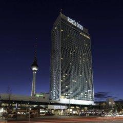 Отель Park Inn by Radisson Berlin Alexanderplatz вид на фасад фото 2