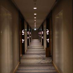 Отель Four Points By Sheraton Surabaya Сурабая интерьер отеля