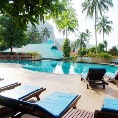 Отель Krabi Tipa Resort бассейн
