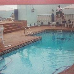 Jonrad Hotel бассейн