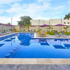 Отель City Express Mérida бассейн