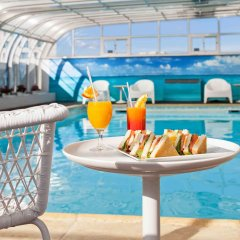 Mercure Lisboa Hotel бассейн