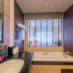 Отель Deevana Plaza Phuket ванная