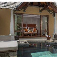 Отель Maradiva Villas Resort and Spa бассейн фото 2
