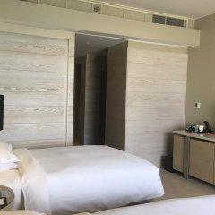 Отель Hilton Dead Sea Resort & Spa Иордания, Сваймех - 1 отзыв об отеле, цены и фото номеров - забронировать отель Hilton Dead Sea Resort & Spa онлайн комната для гостей