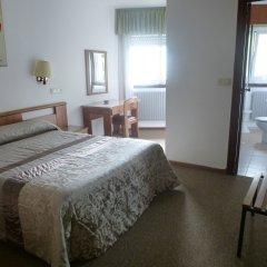 Отель Hostal Palas Испания, Ла-Корунья - отзывы, цены и фото номеров - забронировать отель Hostal Palas онлайн комната для гостей