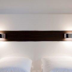 Отель Wakeup Copenhagen - Carsten Niebuhrs Gade 2* Стандартный номер с двуспальной кроватью фото 3