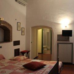 Отель A La Casa Dei Potenti Италия, Сан-Джиминьяно - отзывы, цены и фото номеров - забронировать отель A La Casa Dei Potenti онлайн удобства в номере фото 2
