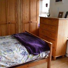 Отель 3 Bedroom Family Home Near The DLR удобства в номере