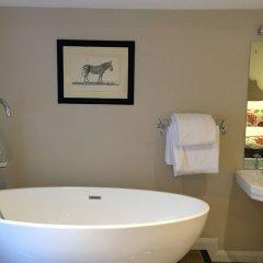 Отель Roof Garden Rooms Лондон ванная фото 2