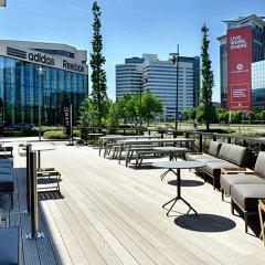 Отель Courtyard by Marriott Amsterdam Arena Atlas Нидерланды, Амстердам - 1 отзыв об отеле, цены и фото номеров - забронировать отель Courtyard by Marriott Amsterdam Arena Atlas онлайн бассейн фото 2