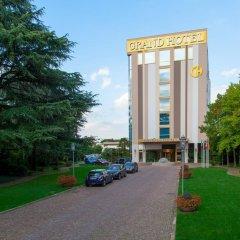 Отель Grand Hotel Terme Италия, Монтегротто-Терме - отзывы, цены и фото номеров - забронировать отель Grand Hotel Terme онлайн парковка