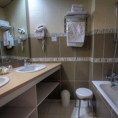 Отель Hôtel Des Trois Gares ванная фото 2