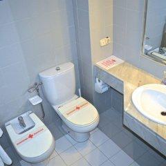 Отель Hostal Residencia Molins Park ванная