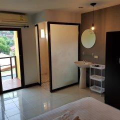 Отель Hi Karon Beach Dormtel удобства в номере