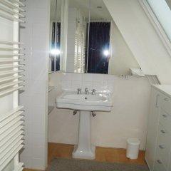 Отель Holiday Home Bridge House Бельгия, Брюгге - отзывы, цены и фото номеров - забронировать отель Holiday Home Bridge House онлайн ванная фото 2