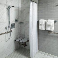 Отель Sheraton Grand Los Angeles ванная фото 2