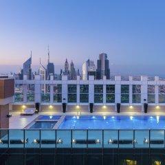 Отель Sheraton Grand Hotel, Dubai ОАЭ, Дубай - 1 отзыв об отеле, цены и фото номеров - забронировать отель Sheraton Grand Hotel, Dubai онлайн бассейн