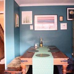 Отель 2 Bedroom Maisonette in Shoreditch гостиничный бар