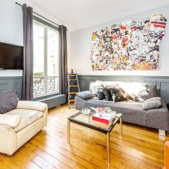 Апартаменты Hip Classic And Central Apartment Париж комната для гостей фото 3