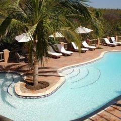 Отель Lake Kariba Inns бассейн