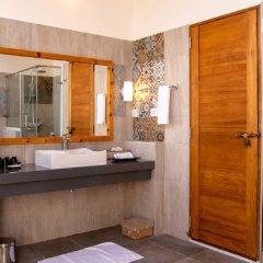 Отель Reethi Faru Resort ванная фото 2