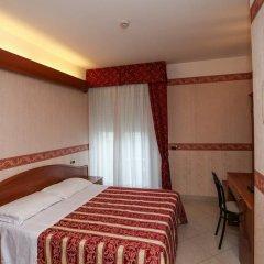 Отель Gallia Palace Римини сейф в номере