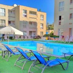 Daphne Hotel Apartments бассейн фото 3