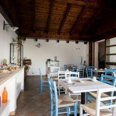 Отель Il Casale B&B Поццалло гостиничный бар