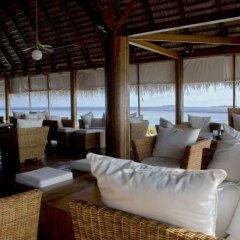 Отель Gangehi Island Resort фото 2