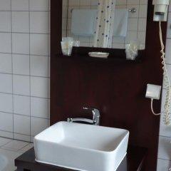 Отель Minerva Garni Германия, Дюссельдорф - 1 отзыв об отеле, цены и фото номеров - забронировать отель Minerva Garni онлайн ванная фото 2