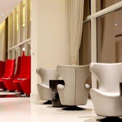Отель Cinnamon RED Colombo Шри-Ланка, Коломбо - отзывы, цены и фото номеров - забронировать отель Cinnamon RED Colombo онлайн интерьер отеля