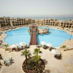 Отель Crowne Plaza Jordan Dead Sea Resort & Spa Иордания, Сваймех - отзывы, цены и фото номеров - забронировать отель Crowne Plaza Jordan Dead Sea Resort & Spa онлайн балкон