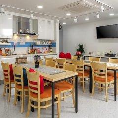 Отель Myeongdong Sunshine Guesthouse Южная Корея, Сеул - отзывы, цены и фото номеров - забронировать отель Myeongdong Sunshine Guesthouse онлайн питание