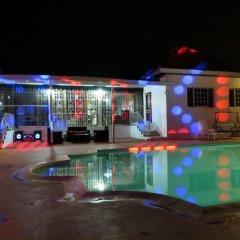 Отель A Piece of Paradise Montego Bay Ямайка, Монтего-Бей - отзывы, цены и фото номеров - забронировать отель A Piece of Paradise Montego Bay онлайн бассейн