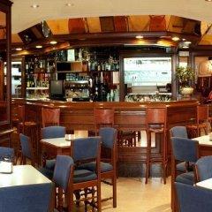 Отель Serantes Hotel Испания, Эль-Грове - отзывы, цены и фото номеров - забронировать отель Serantes Hotel онлайн гостиничный бар