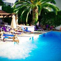Green Hill Hotel бассейн