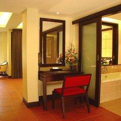 Отель Duangjitt Resort, Phuket интерьер отеля фото 2