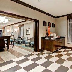 Отель Hampton Inn by Hilton Toronto Airport Corporate Centre Канада, Торонто - отзывы, цены и фото номеров - забронировать отель Hampton Inn by Hilton Toronto Airport Corporate Centre онлайн комната для гостей фото 5